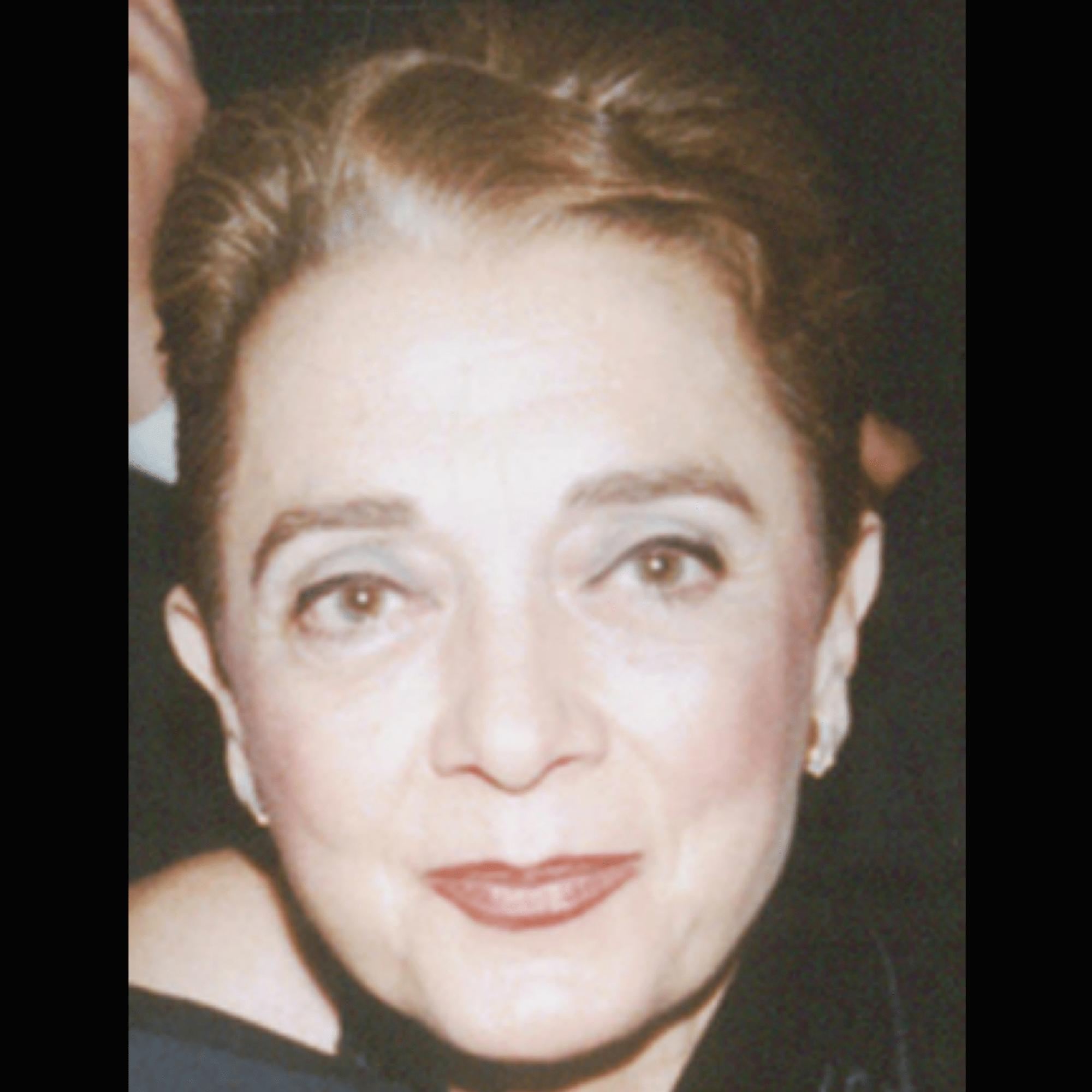 Mrs. Couri, Lilika